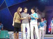 图文:奥运会残奥会志愿者服装展示秀之二