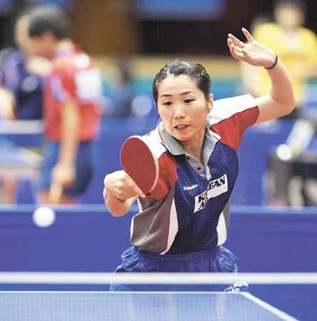 """唐娜拒绝中国香港队的邀请,加入韩国籍,并期待与中国队的正面较量。她表示:""""现在韩国是我的祖国。我将通过实力竞争来战胜一切。""""图据朝鲜日报"""