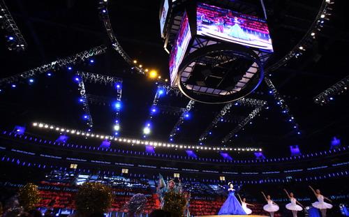 光彩夺目的奥林匹克篮球馆内部