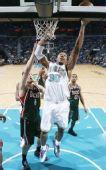 图文:[NBA]雄鹿负黄蜂 韦斯特上篮