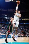 图文:[NBA]雄鹿负黄蜂 韦斯特灌篮