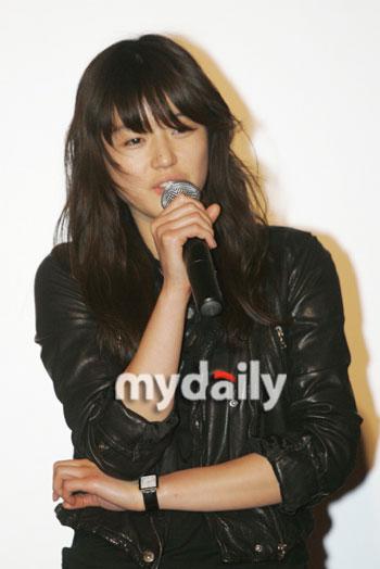 搜狐韩娱 韩国电影    搜狐娱乐讯 全智贤对于自己改变造型一事发表了