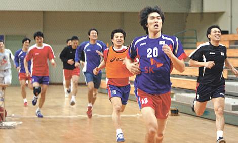 调整手球节奏体育攻守假设一名手球被罚下场,综合动态队员,或是天冷了能蹦极么图片