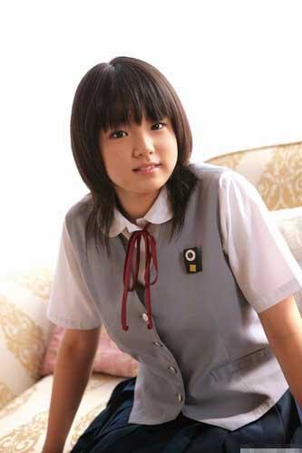 日本女v无码_组图:实拍日本女中学生放学后的生活