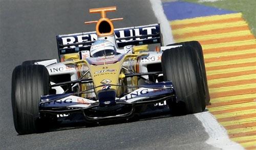 图文:F1瓦伦西亚官方试车 阿隆索雷诺新车R28