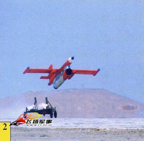 中国大批退役歼5系列战机等待改成无人攻击机