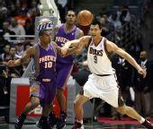 图文:[NBA]雄鹿105-114太阳 阿联力敌巴尔博萨