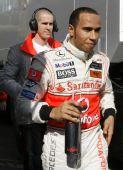 图文:F1瓦伦西亚官方试车 汉密尔顿轻松上阵