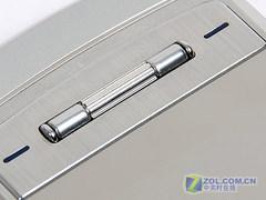 带滚轮的金属滑盖手机 LG KG70再度小降