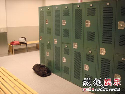 图:陈柏霖在上海车墩影视基地- 1