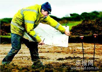 英国历史上最大青铜器考古发现
