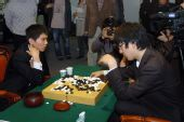 图文:三星杯李世石夺冠 决胜局后与朴永训复盘