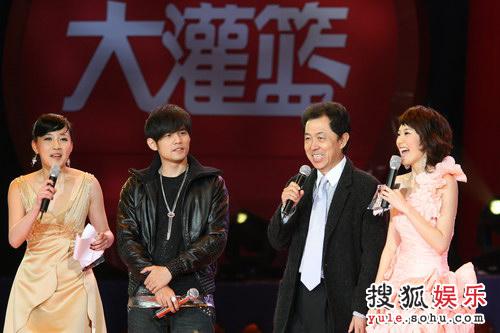 首映晚会— 朱延平开心微笑