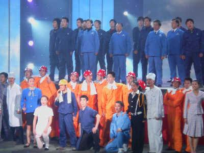 王宝强领唱《农民工之歌》