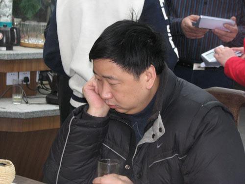 俞斌九段在比赛中
