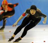 图文:王北星获女子1000米冠军 王北星目视前方
