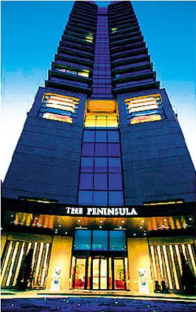 上图:这间24层楼的半岛酒店兴许就是世界上服务最为周全的酒店了。