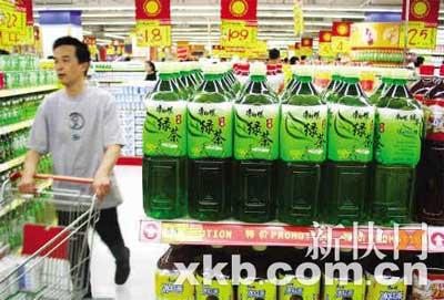 饮料也是过年的应节饮品之一。
