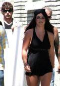 图组:布兰妮拍MTV 肥臀粗腿身材变形