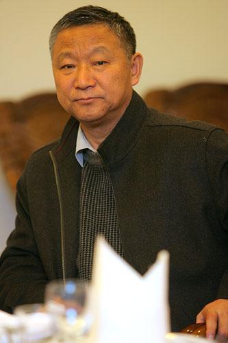 图文:辽宁副省长探望奥运健儿 在座谈会上