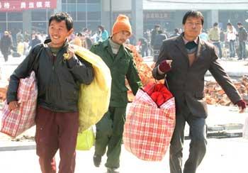 农民工的生存状况_江西省农民工生活质量报告 500份问卷调查(图)-搜狐新闻
