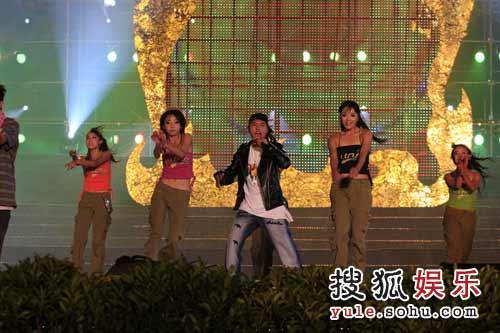 彝族说唱表演