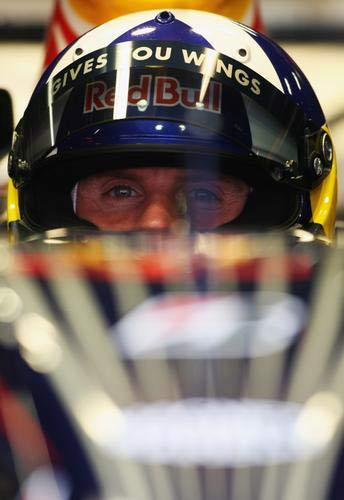 图文:巴塞罗那F1测试赛首日 库特哈德在比赛中