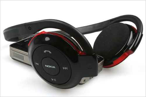诺基亚/(图为全新亮相的诺基亚立体声蓝牙耳机BH/503)