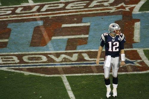纽约 图文/图文:2008年美式橄榄球超级碗布兰迪走过赛场