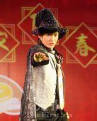 图文:国羽春节联欢会 鲍春来变身