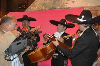 墨西哥展台的民族乐队。