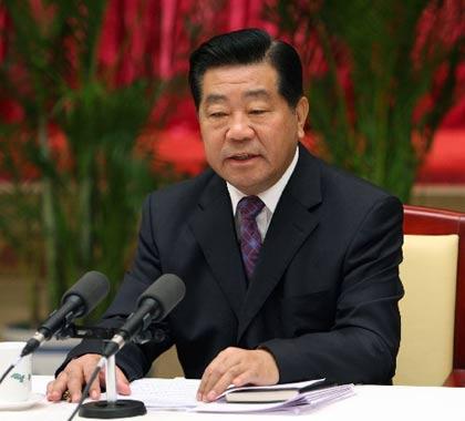 10月30日,中共中央政治局常委、全国政协主席贾庆林在北京出席各民主党派中央、全国工商联、无党派人士学习中共十七大精神座谈会并讲话。新华社记者饶爱民摄