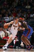图文:[NBA]尼克斯VS雄鹿 博格特运球进攻