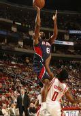 图文:[NBA]火箭VS老鹰 布鲁克斯防守