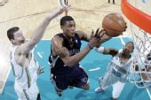 图文:[NBA]黄蜂胜灰熊 盖伊快攻上篮