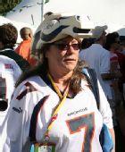 图文:NFL全明星赛场外即景 球队的忠实拥趸