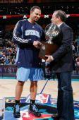 图文:[NBA]全明星技巧赛图 德隆接受采访