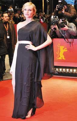 美女评委戴安·克鲁格亮相闭幕式红毯