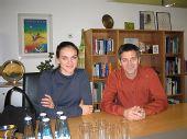 图文:伊辛巴耶娃身边的男人 与阿迪总裁合影
