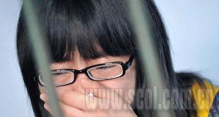 小娟流下了悔恨的泪水