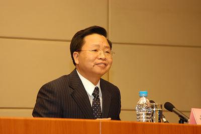 国家林业局新闻发言人曹清尧介绍华南虎有关情况。新华网 张泳 摄