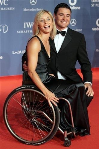 图文:众明星出席劳伦斯奖典礼 两人一脸笑容
