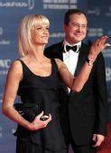 图文:众明星出席劳伦斯奖典礼 动作举止搞笑