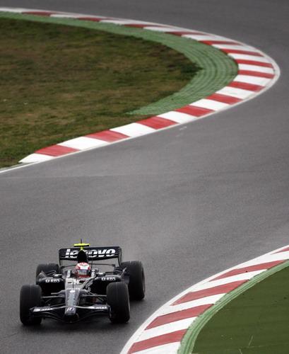 图文:[F1]巴塞罗那试车首日 罗斯伯格过弯