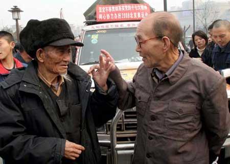 西安87岁老人对张汝侯充满敬佩