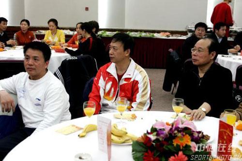 图文:2008体育总局元宵晚会 体操队教练