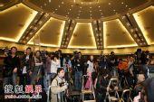 图:陈冠希发布会现场 媒体们的长枪短跑