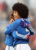 图文:[四强赛]日本VS韩国 荒川惠理子庆祝进球