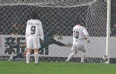 图文:女足四强赛中国0-0朝鲜 朝鲜队射失点球