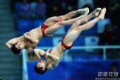 图文:林跃/火亮双人10米台夺冠 空中表情狰狞